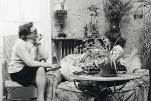 Détail - Couverture du livre de © Marguerite Duras, Xavière Gauthier, Les Parleuses [1974], éditions de Minuit, Paris, 2013.